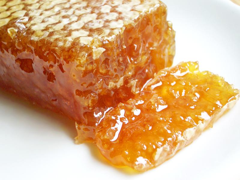 мед в сотах Украина